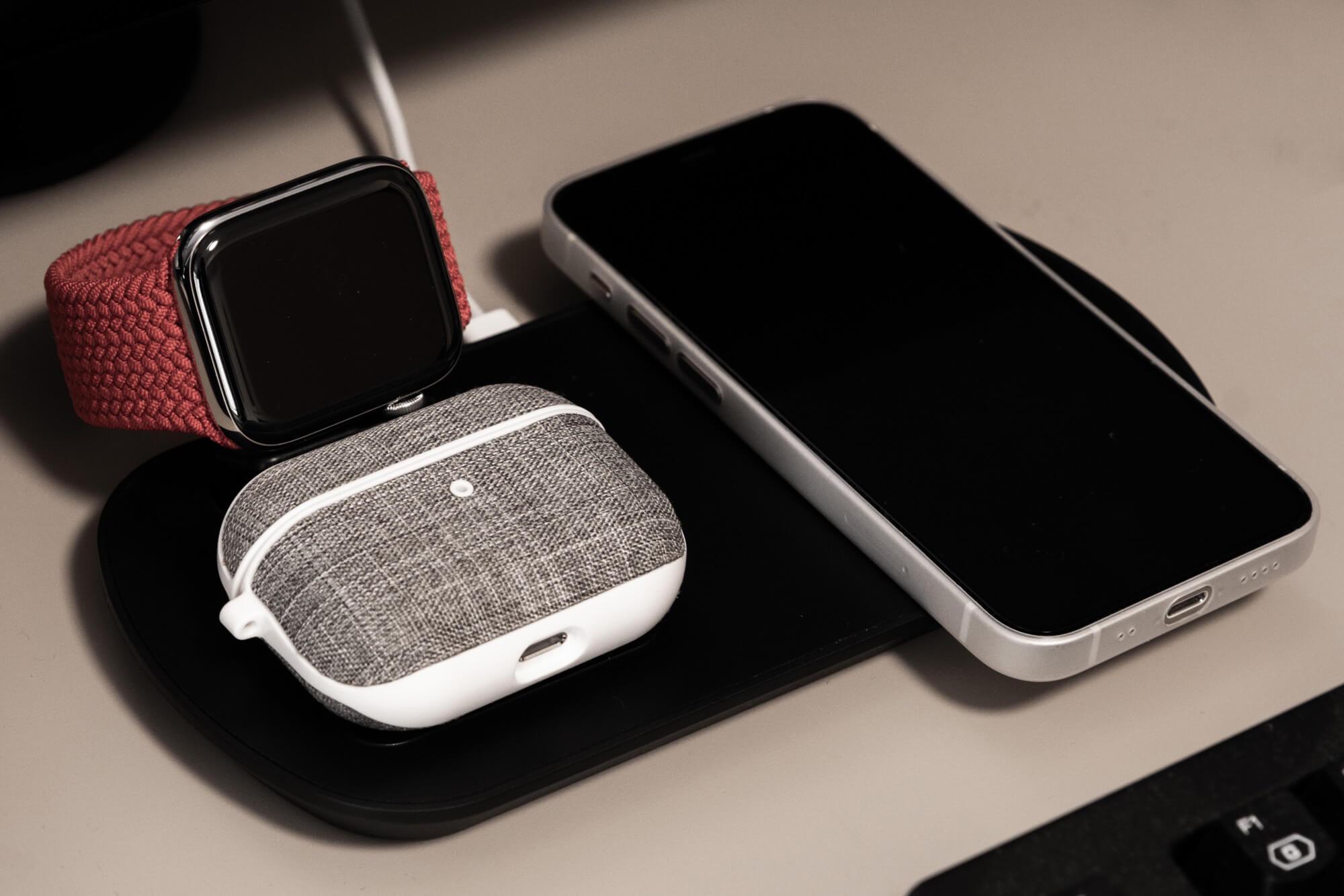 モニター下でマトメて充電。Mixmart「3in1 ワイヤレス充電器」レビュー。